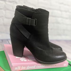ALDO BLACK LEATHER HEELED ANKLE BOOT